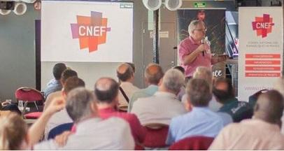 Etienne Lhermenault se dirige a la Asamblea General de la CNEF. / CNEF Nacional de Facebook