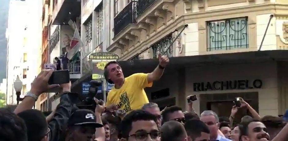 Jair Bolsonora segundos antes de ser apuñalado,Jair Bolsonaro, apuñalado