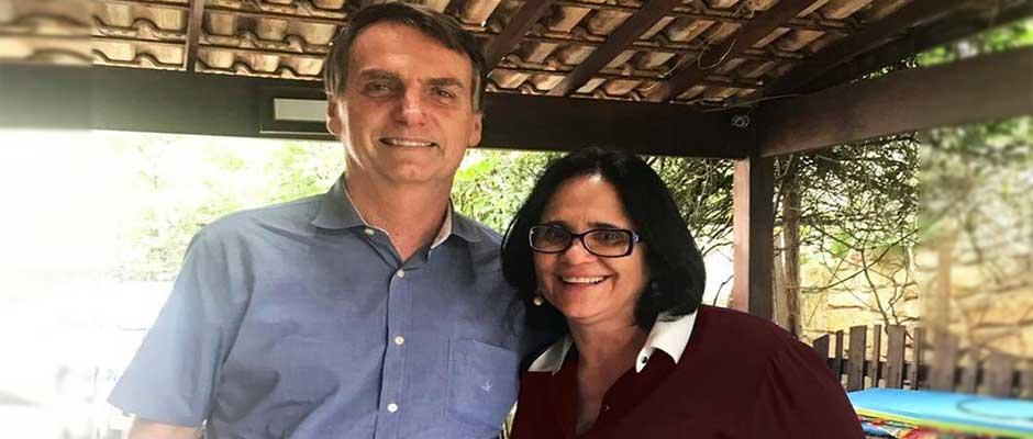 Bolsonaro con Damares Alves, defensora de la vida y la familia tradicional,Damares Alves, Jair Bolsonaro
