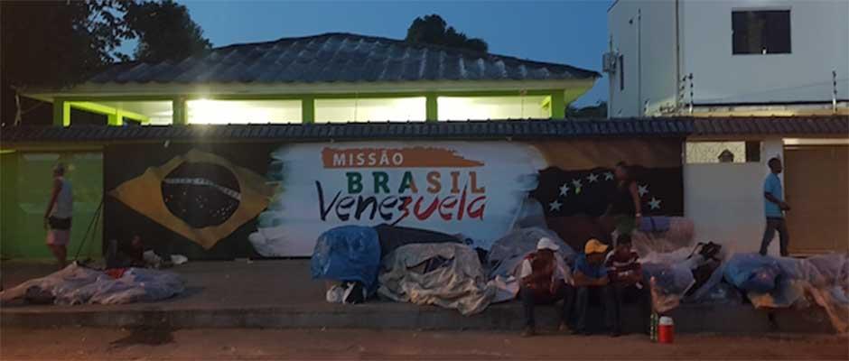 En la frontera con Brasil, la necesidad apremia para los venezolanos que llegan por miles. / Noemí Mena,
