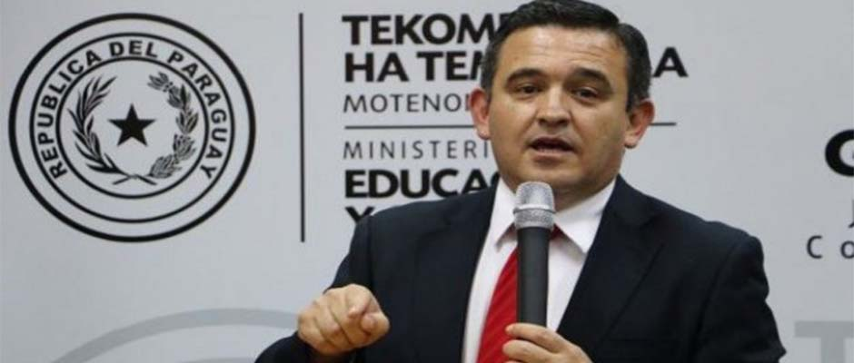 Eduardo Petta, ministro de educación de Paraguay,