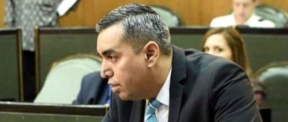 El diputado Carlos Leal,Carlos Leal