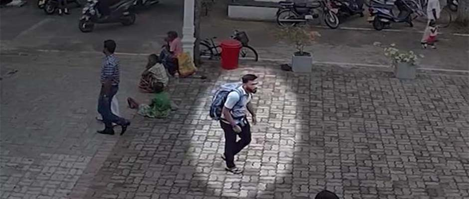 Uno de los autores del atentado fue grabado mientras se acercaba a uno de los hoteles. / CNN,