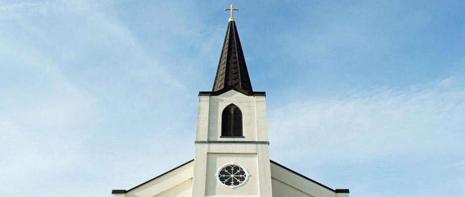 """""""El papel de la religión en la vida pública ha ido disminuyendo lentamente,Iglesia evangélica"""