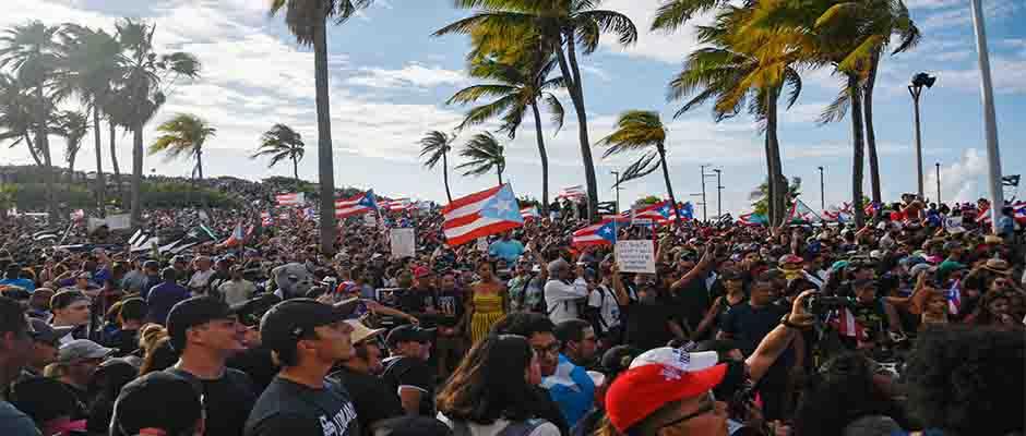 Miles de manifestantes exigen la salida del Gobernador Roselló,Puerto Rico