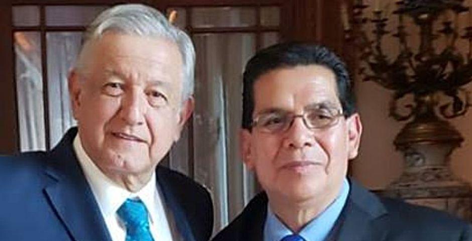 López Obrador (izquierda) con Arturo Farela,López Obrador, Arturo Farela