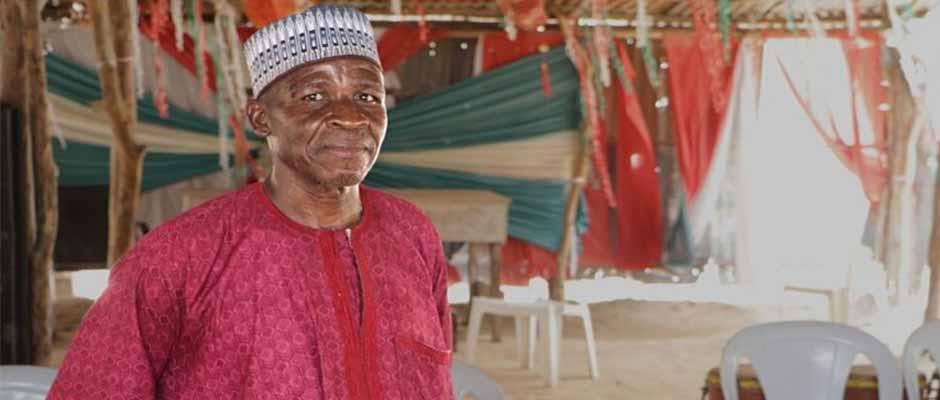 El pastor Marcus Abana ahora tiene 400 personas en su iglesia en Nigeria / Puertas Abiertas,