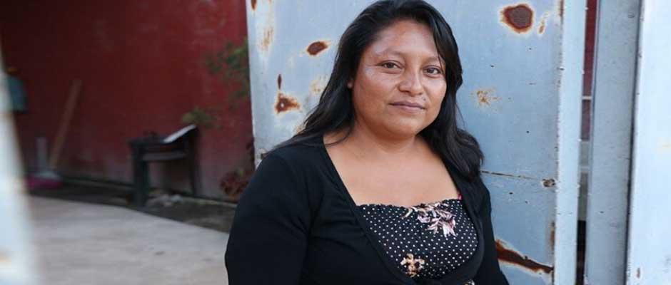 A pesar de la expulsión, Rosario no tiene rencor en su corazón y vive una nueva vida en otra ciudad. / Puertas Abiertas,Rosario Pérez Martínez