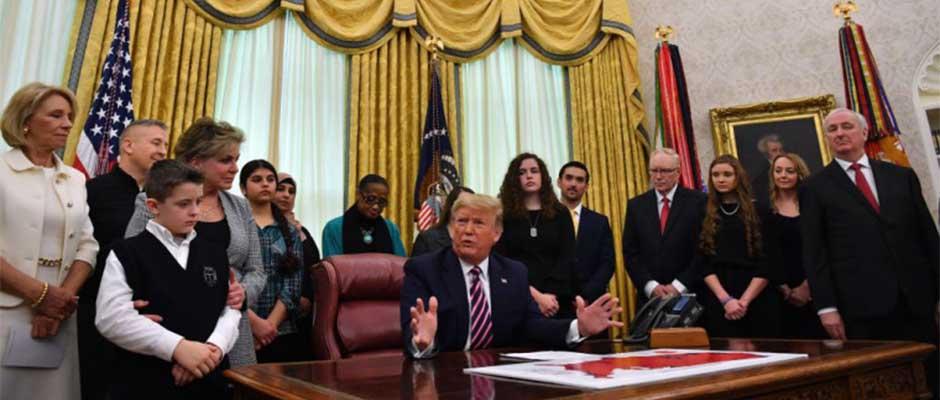 Trump anuncia Guía para la Oración Constitucional en las Escuelas Públicas, en la Casa Blanca en Washington, D.C.,