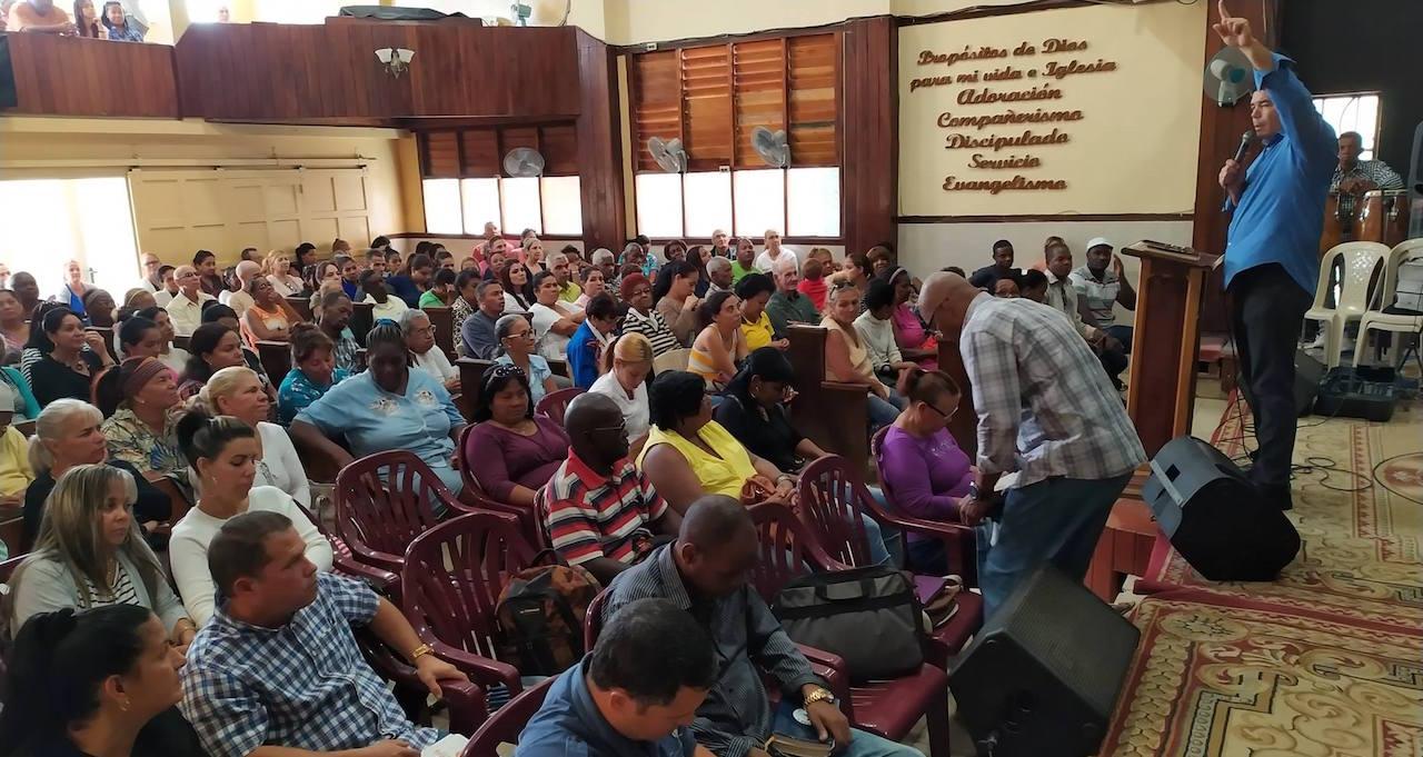 Templo central de la Liga Evangélica de Cuba en La Habana / LEC,Liga Evangélica de Cuba