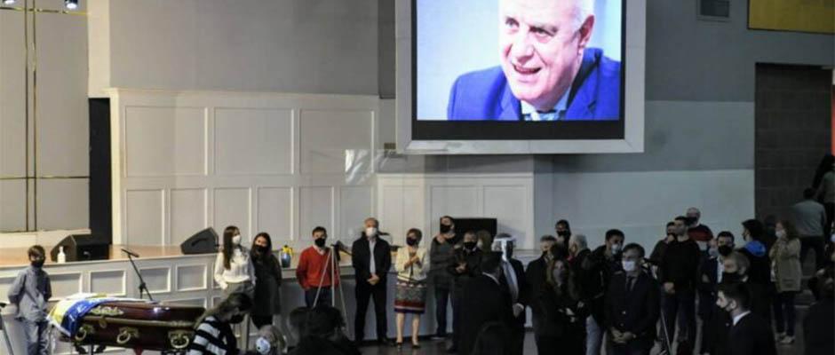Cientos de familias despidieron al pastor José María Silvestri,José María Silvestri