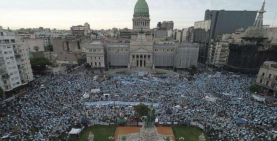 Manifestación delante del Congreso argentino,Manifestación delante del Congreso argentino