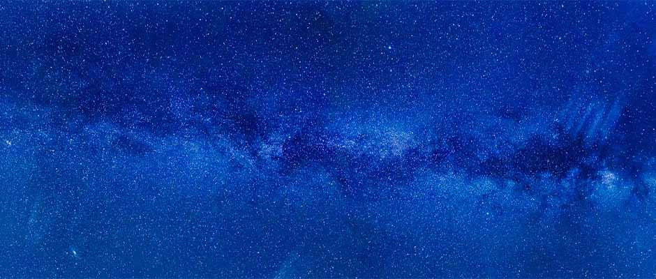 La Vía Láctea vista durante una noche despejada / FelixMittermeier de Pixabay,Vía Láctea