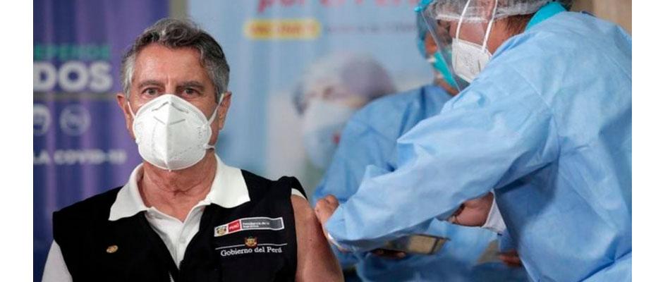 El presidente Sagasti vacunado contra el Coronavirus / EPA,